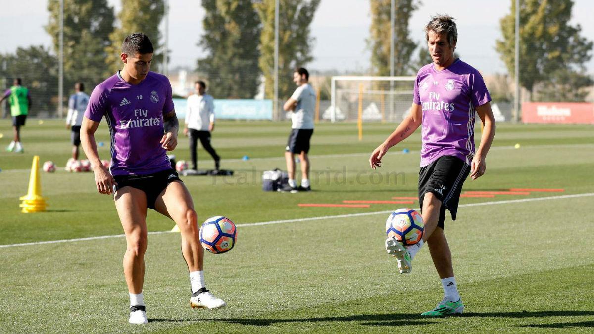 James Rodríguez ya toca balón. (Realmadrid.com)