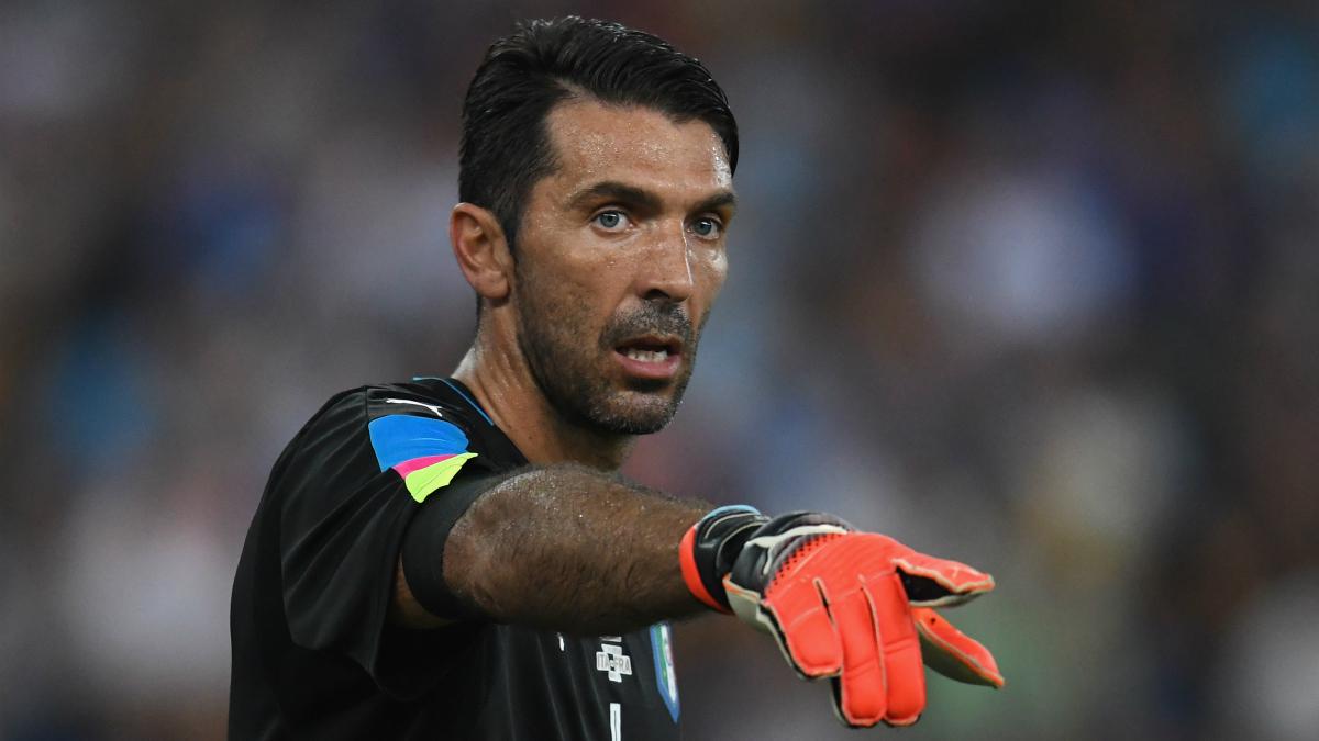 Buffon, en un partido con la selección italiana. (Getty)