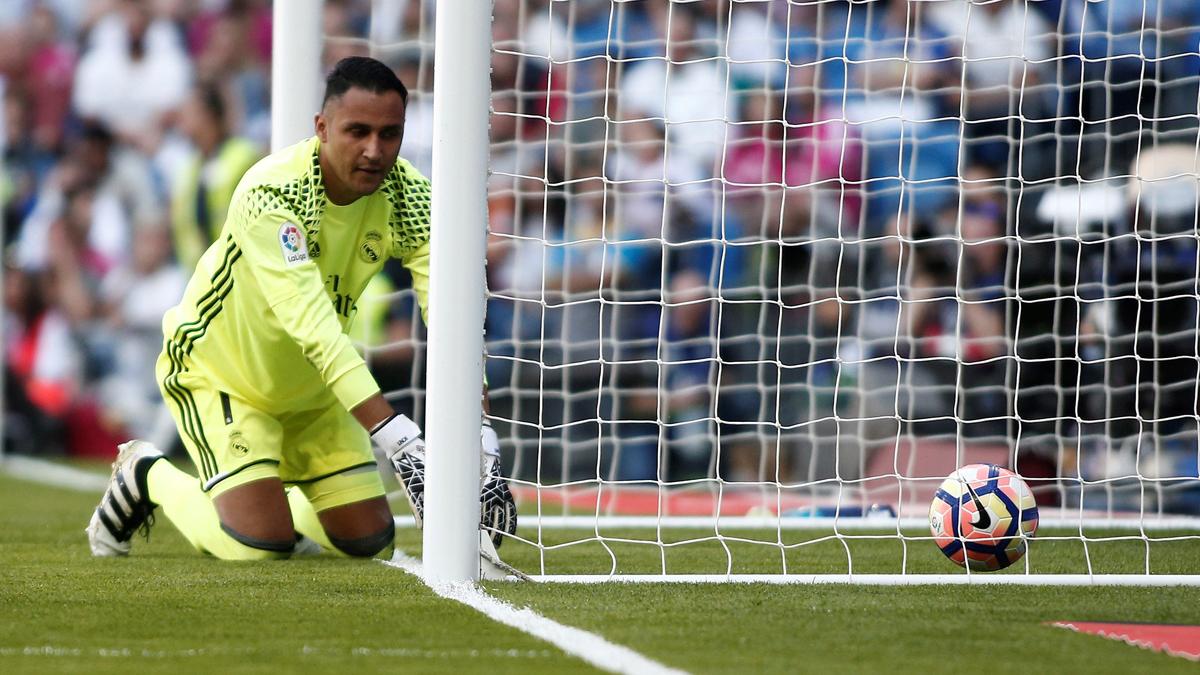 Keylor Navas se lamenta tras encajar el gol ante el Eibar.