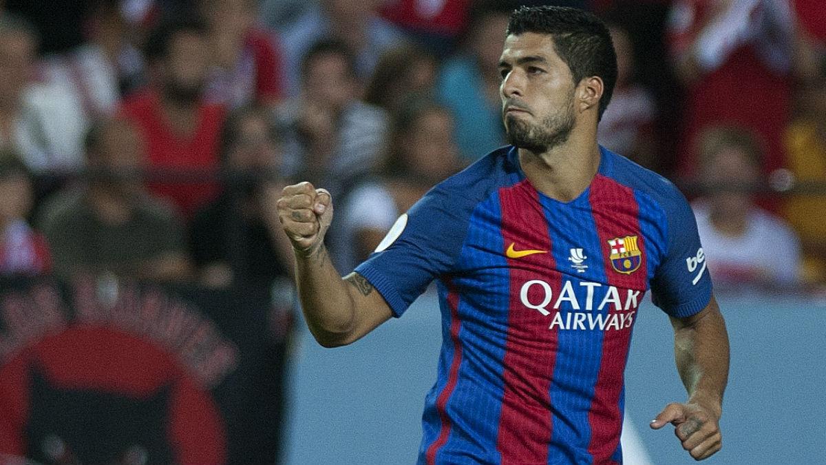 Luis Suárez celebra un gol con el Barcelona. (AFP)