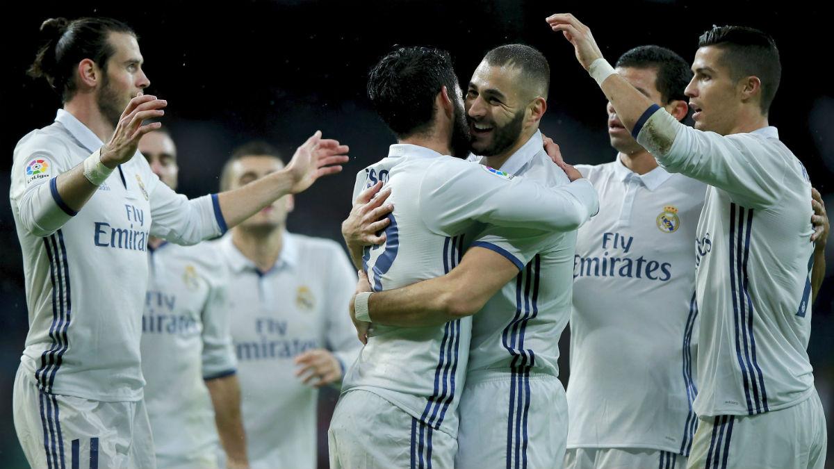 Los jugadores del Madrid celebran el 1-0 de Benzema. (Getty)