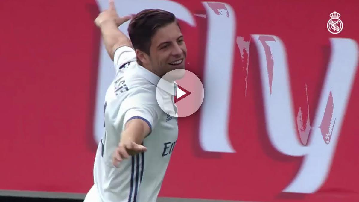 Franchu celebra un gol con el Juvenil A.