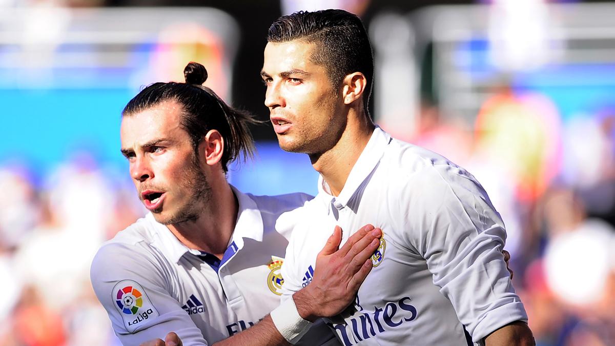 Cristiano Ronaldo y Bale, celebrando el gol del portugués.