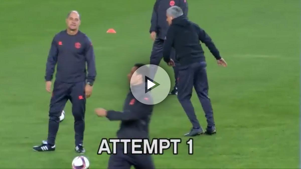 Mourinho intenta darle al larguero.