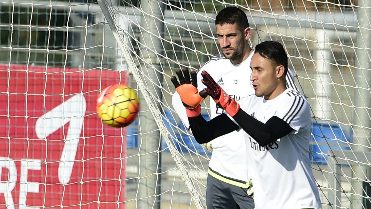 Keylor Navas y Kiko Casilla, en un entrenamiento. (AFP)