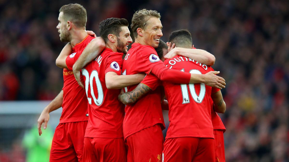 Los jugadores del Liverpool celebran el gol de Coutinho ante el Watford. (Getty)