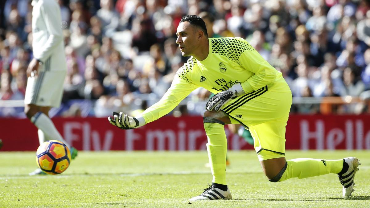Keylor saca en el encuentro entre el Real Madrid y el Leganés. (EFE)