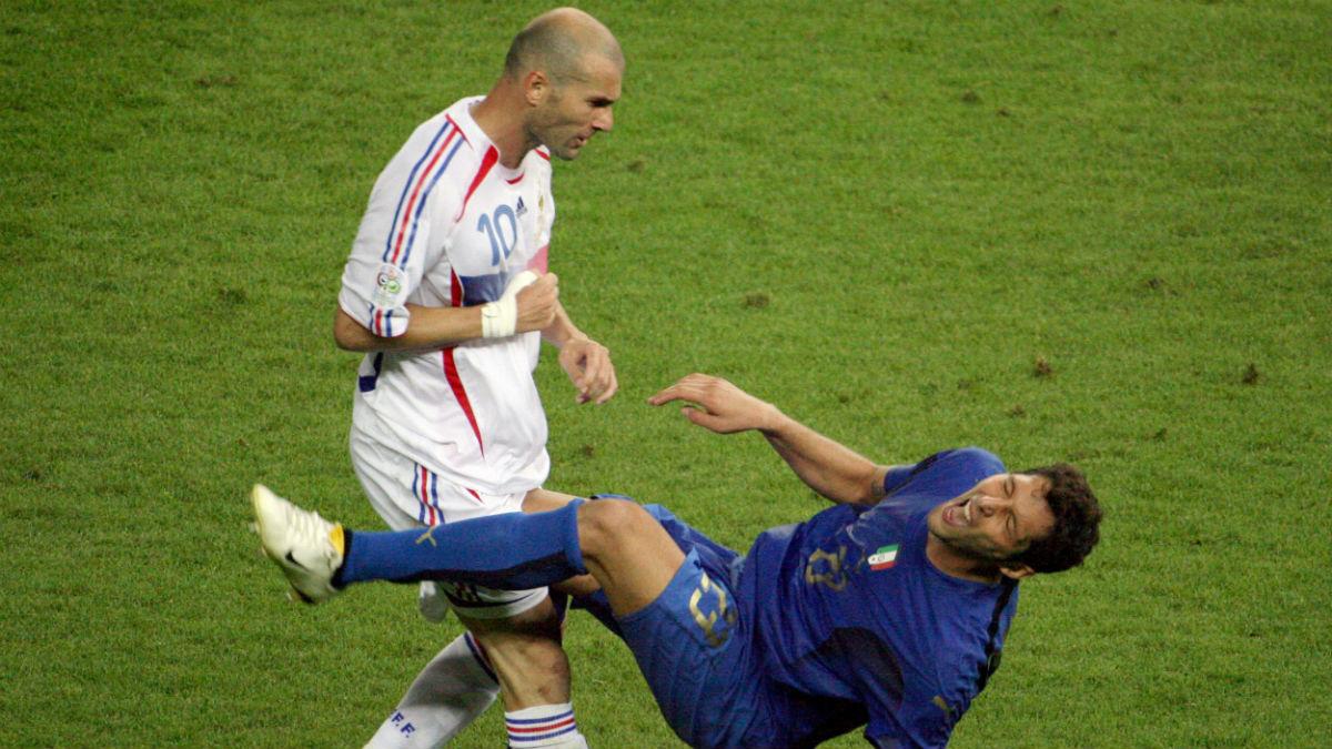 Zidane y Materazzi durante la final del Mundial 2006. (AFP)