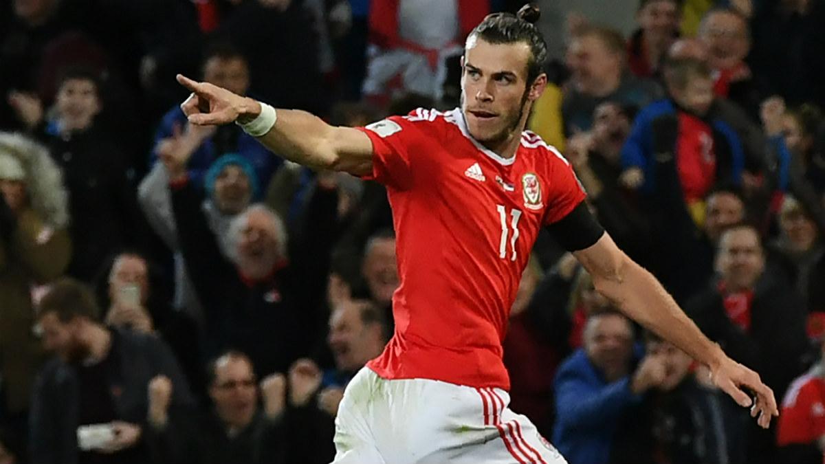 Bale celebra el único gol de Gales ante Serbia. (AFP)