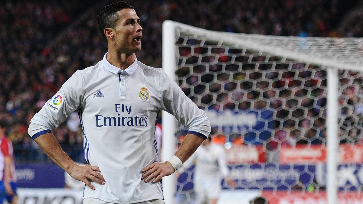 Cristiano Ronaldo celebra uno de sus goles en el derbi. (Getty)