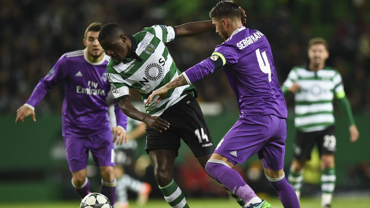 Sergio Ramos durante el partido ante el Sporting. (AFP)