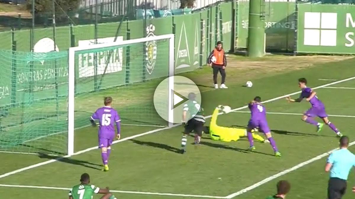 Luca Zidane hace un paradón ante el Sporting de Lisboa.