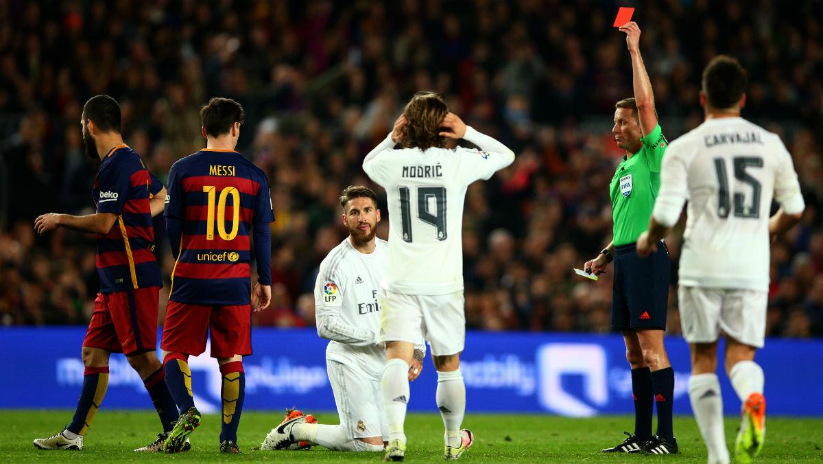 Sergio Ramos fue expulsado en el último Clásico. (Getty)