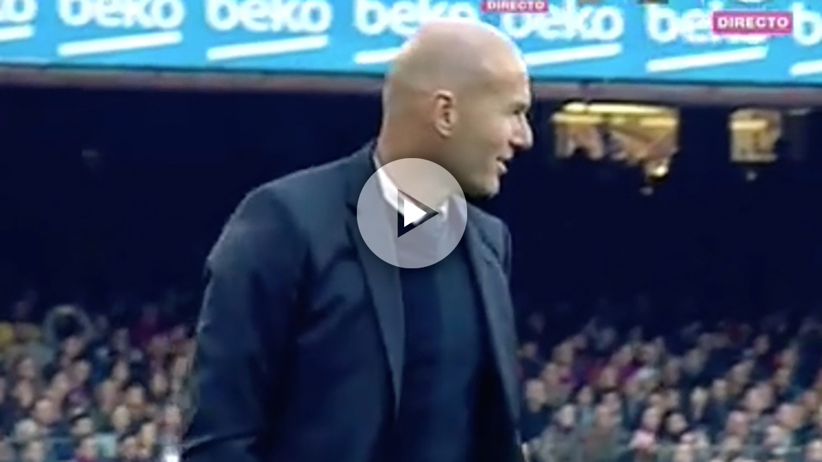 Zidane se enfado tras la decisión de Clos Gómez.