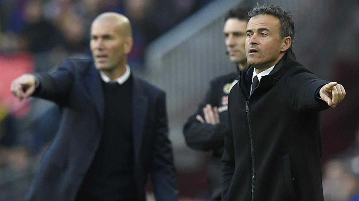 Zidane y Luis Enrique dan instrucciones. (AFP)