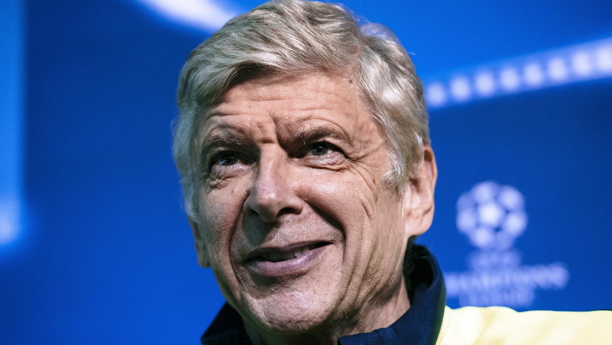 Wenger durante una rueda de prensa en Champions. (AFP)