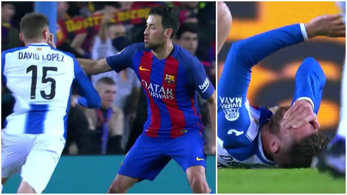 La agresión de Busquets a David López en el Barcelona vs Espanyol.