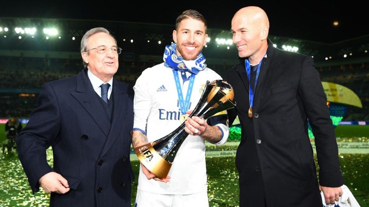 Florentino Pérez, Sergio Ramos y ZIdane tras ganar el Mundial de Clubes.
