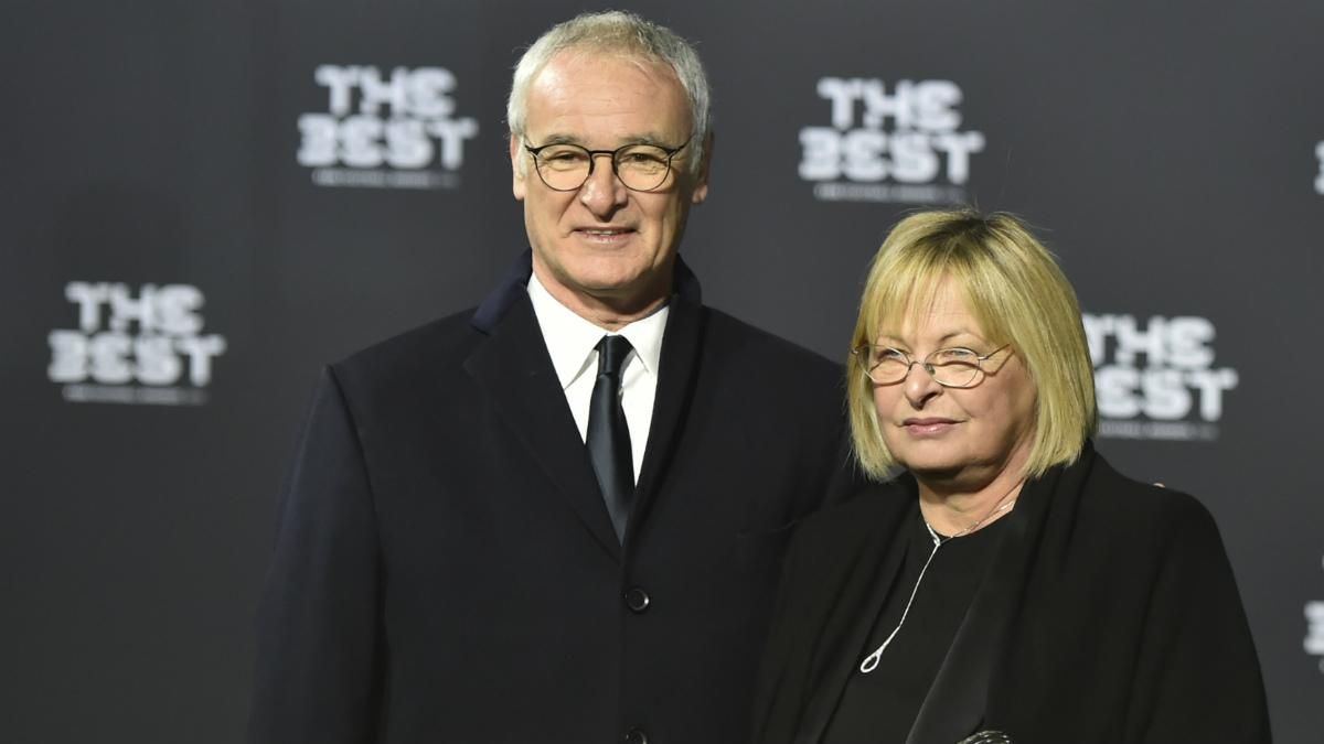Claudio Ranieri llegando a la gala del FIFA The Best. (AFP)