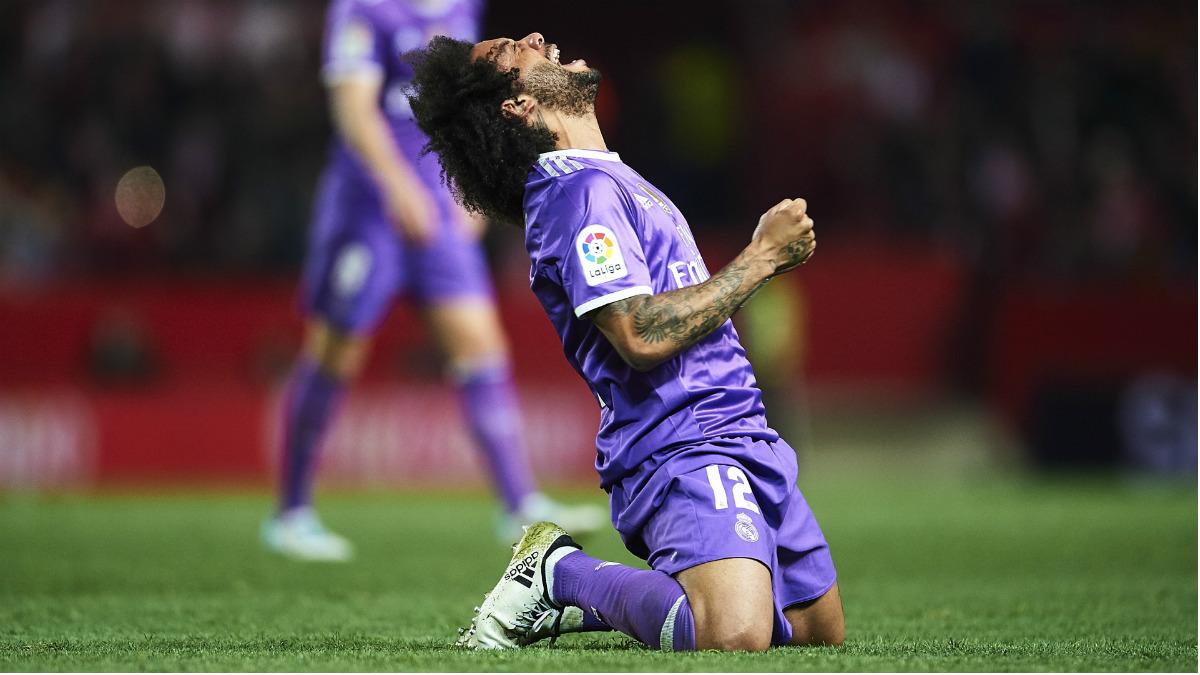 Marcelo se lamenta de la derrota ante el Sevilla. (Getty)