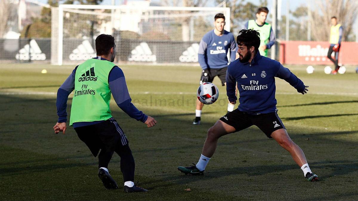 Isco y Kovacic durante el entrenamiento del Real Madrid. (Realmadrid.com)