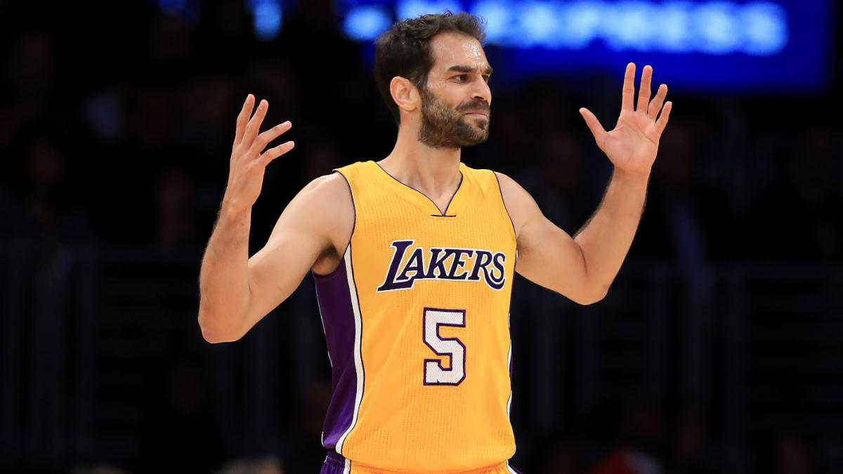 José Calderón está teniendo una temporada decepcionante en los Lakers. Está jugando sólo 11 minutos por partido. (AFP)