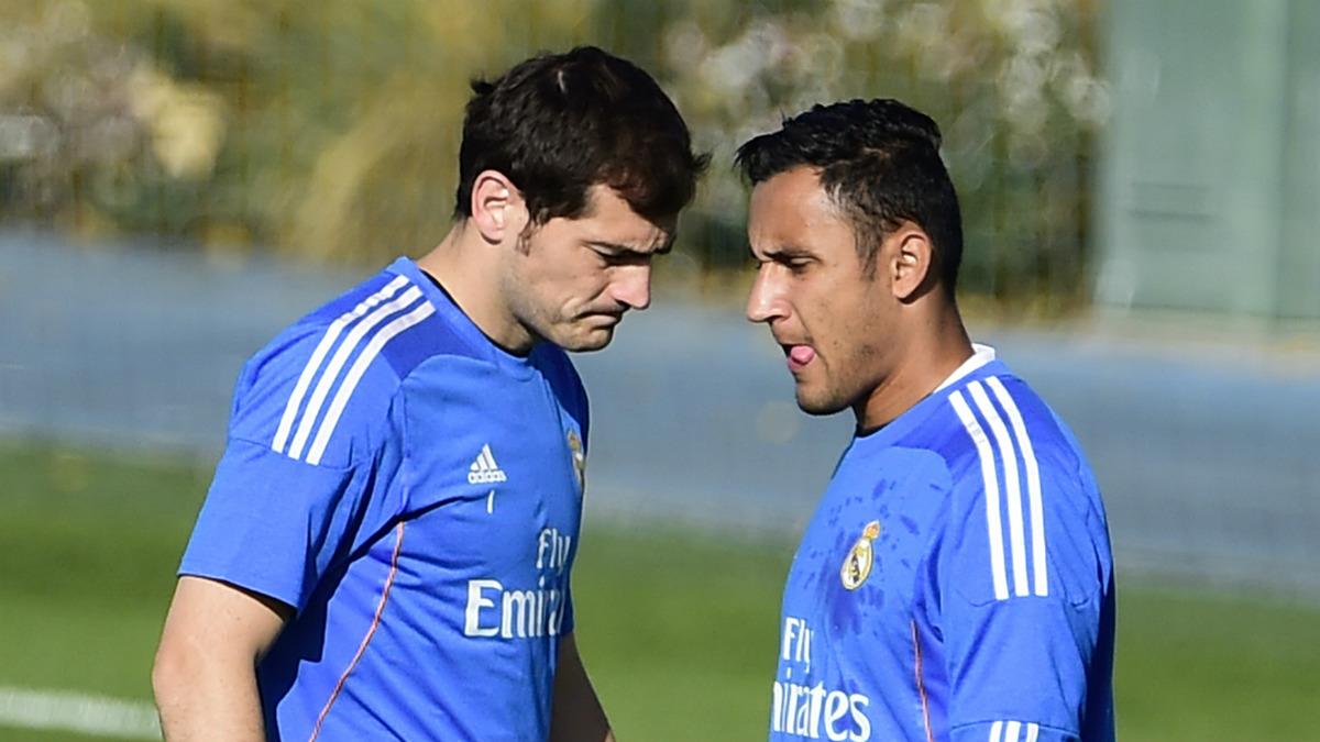 Iker Casillas junto a Keylor Navas durante su etapa en el Real Madrid. (AFP)