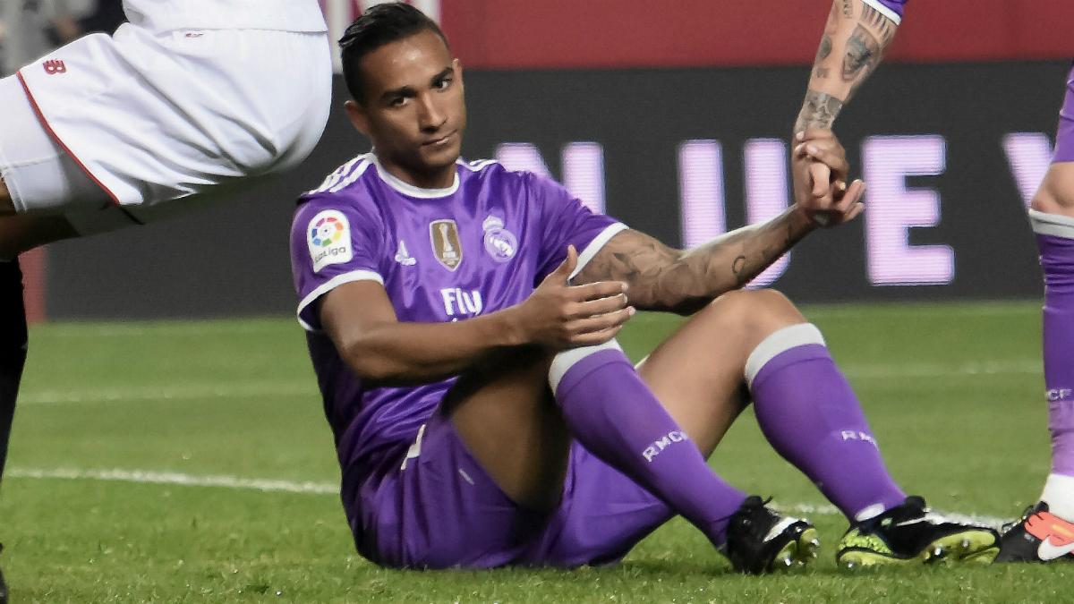 Danilo se lamenta tras su gol en propia ante el Sevilla. (EFE)