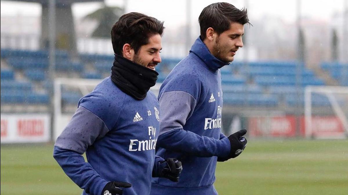Morata corre junto a Isco en la Ciudad Real Madrid. (Instagram)