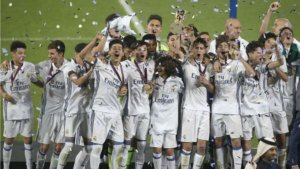 El Juvenil C del Real Madrid celebra el torneo Al Kass. (Realmadrid.com)