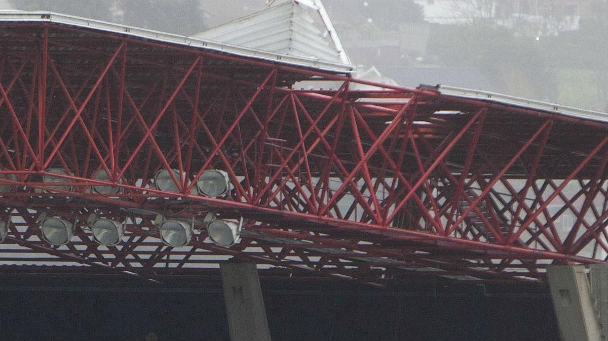 La cubierta del techo de Balaídos está afectada.