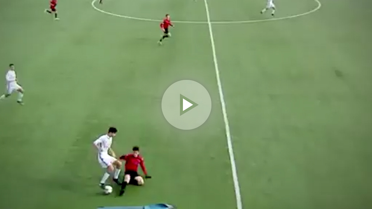 Theo Zidane realiza un regate espectacular.