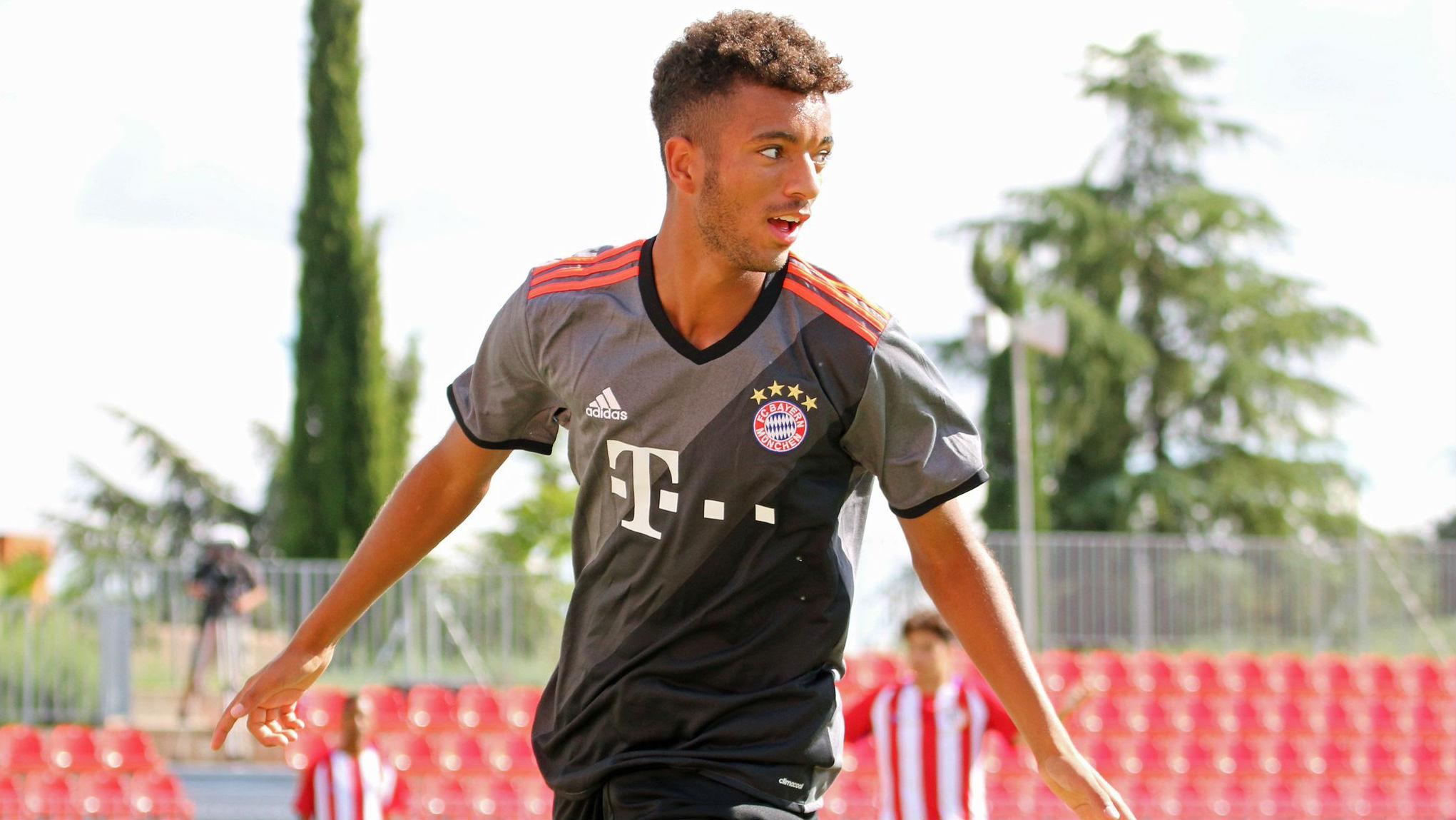 Timothy Tillman, en un entrenamiento con el Bayern de Múnich.
