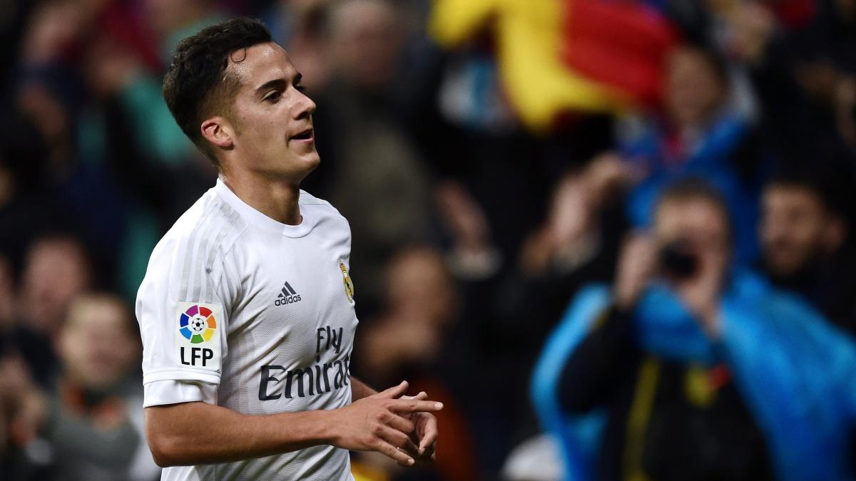 Lucas Vázquez celebra un gol con el Real Madrid