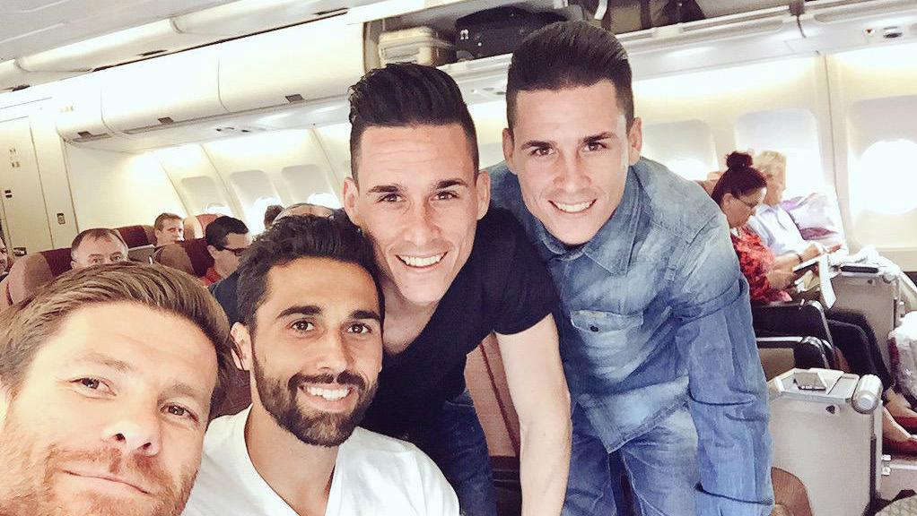 Arbeloa, junto a Xabi Alonso y los hermanos Callejón.