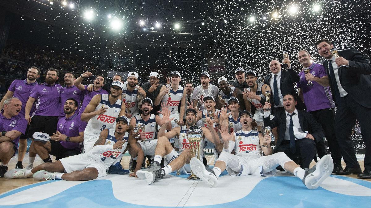 El Real Madrid celebra en el Buesa Arena su cuarta Copa consecutiva.