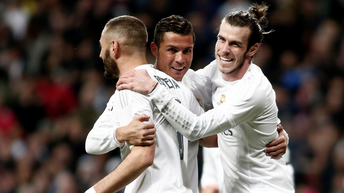 Benzema, Cristiano y Bale celebran un tanto del Real Madrid