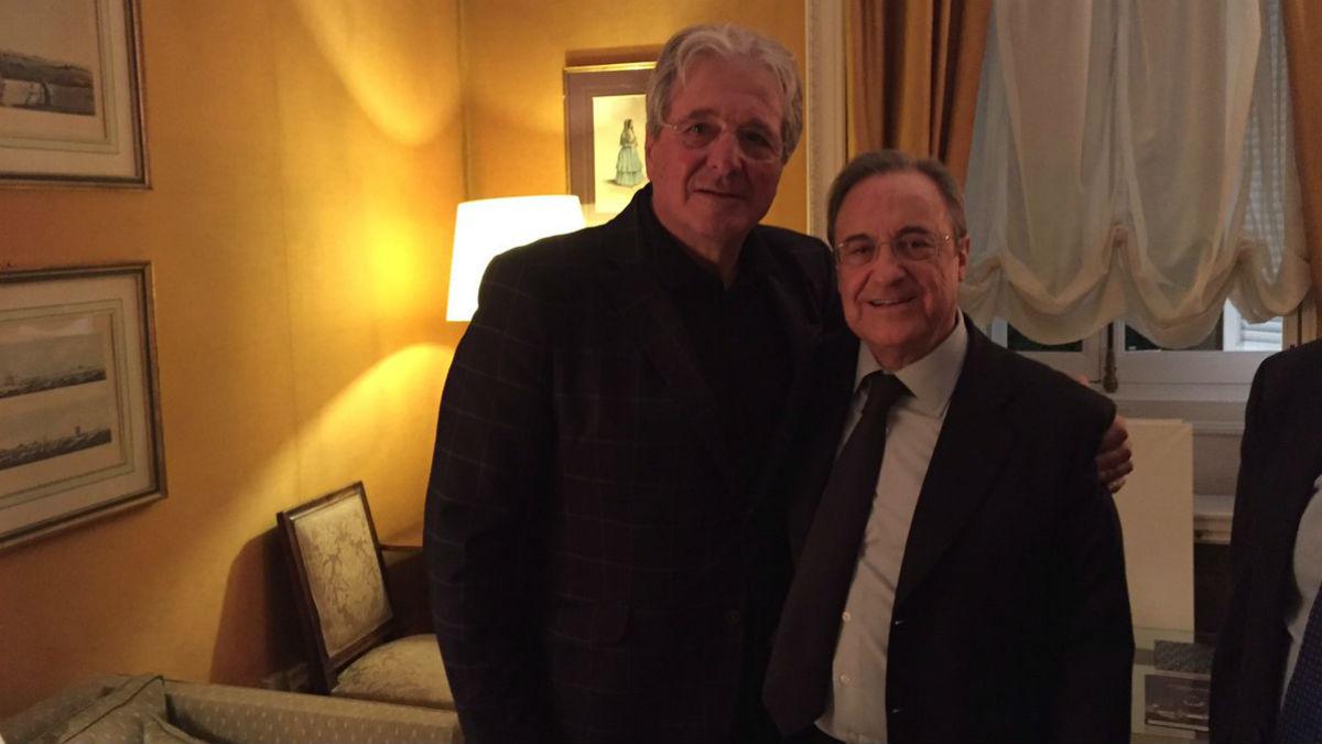 Jorge D'Alessandro junto a Florentino Pérez en la embajada de Argentina. (Twitter)