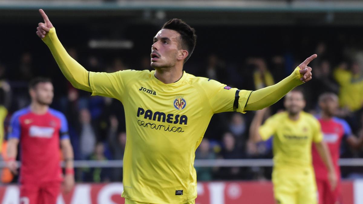 Sansone celebra un gol con el Villarreal. (AFP)