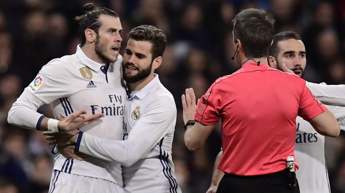 Bale protesta su expulsión. (AFP)