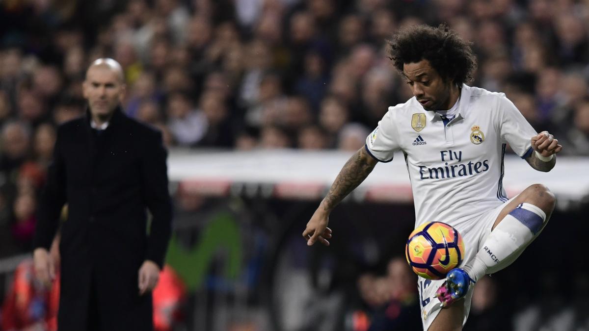Marcelo controla un balón ante Las Palmas. (AFP)