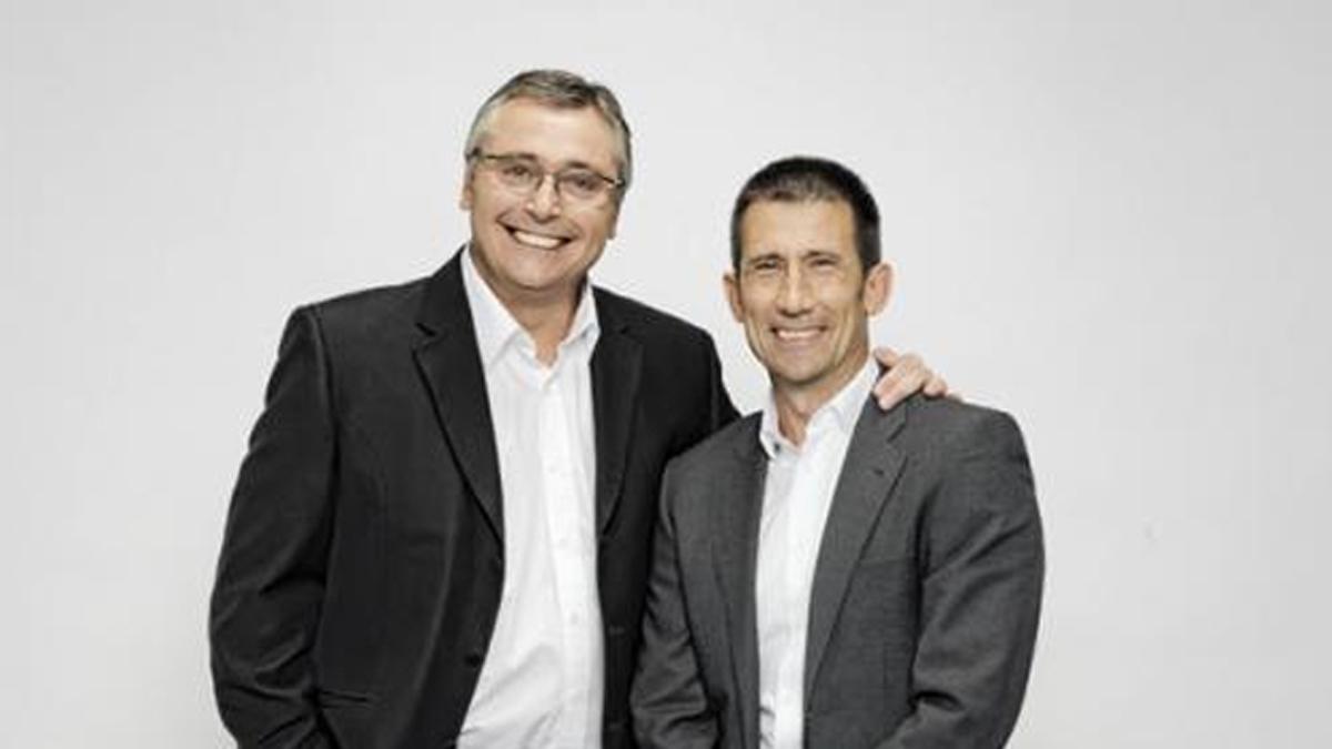 Carlos Martínez, junto a Michael Robinson en una foto de archivo.