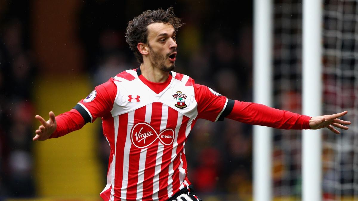 Manolo Gabbiadini celebra un tanto con el Southampton