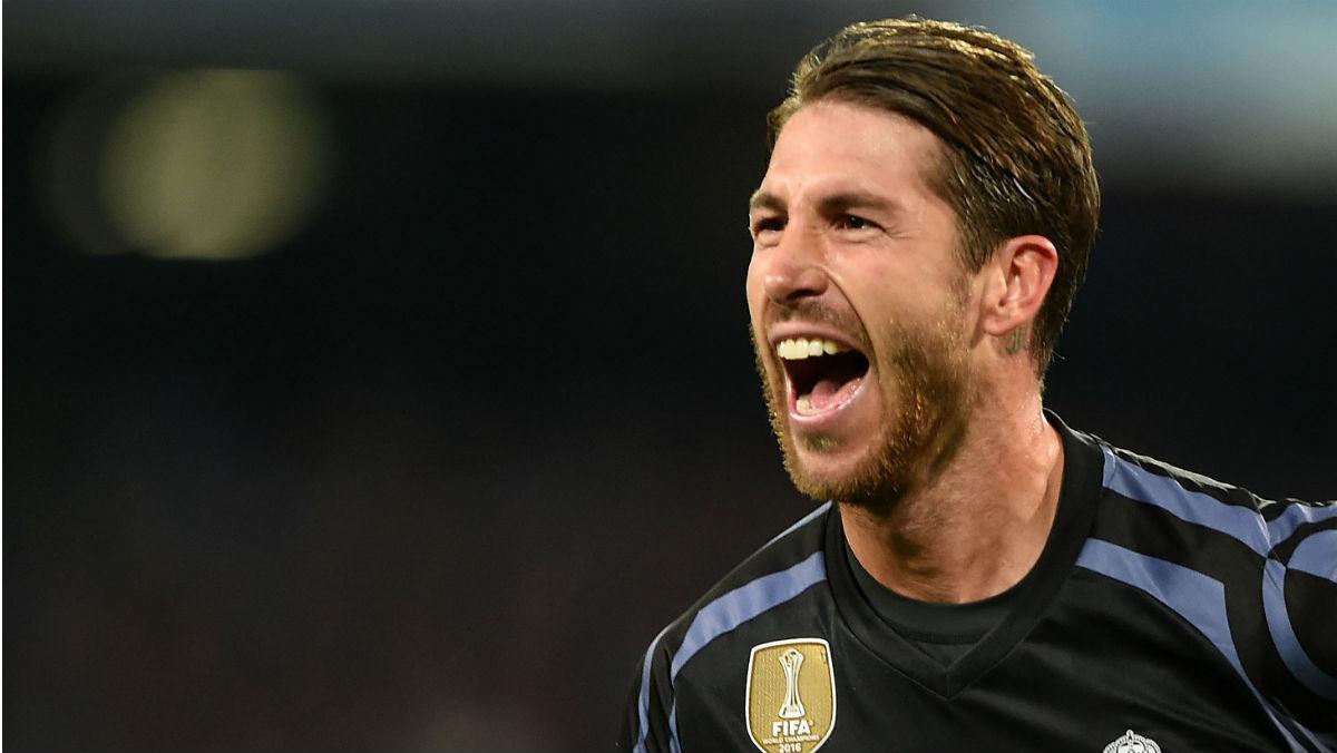 Sergio Ramos celebra su gol ante el Nápoles. (AFP)