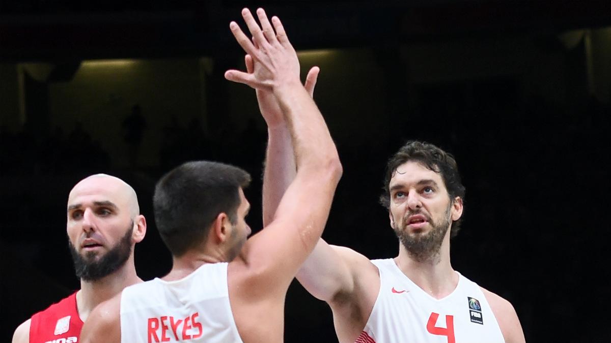 Felipe Reyes y Pau Gasol durante el Eurobasket de 2015. (AFP)