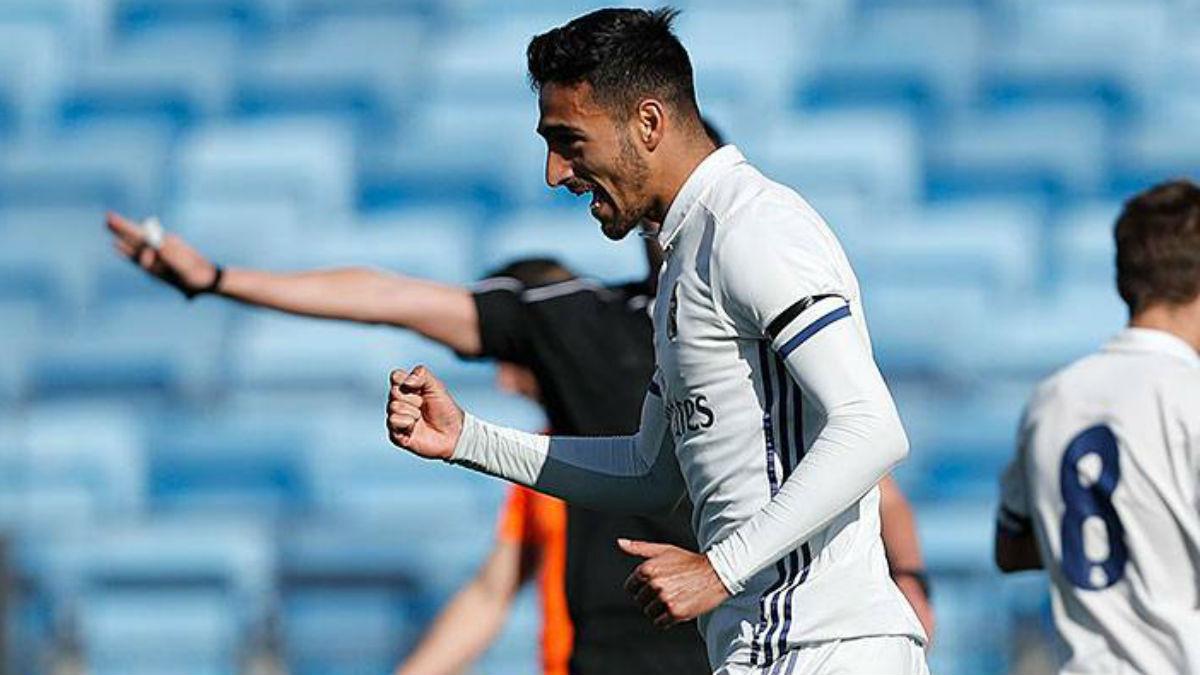 Nikos Vergos celebra un gol con el Castilla. (Realmadrid.com)