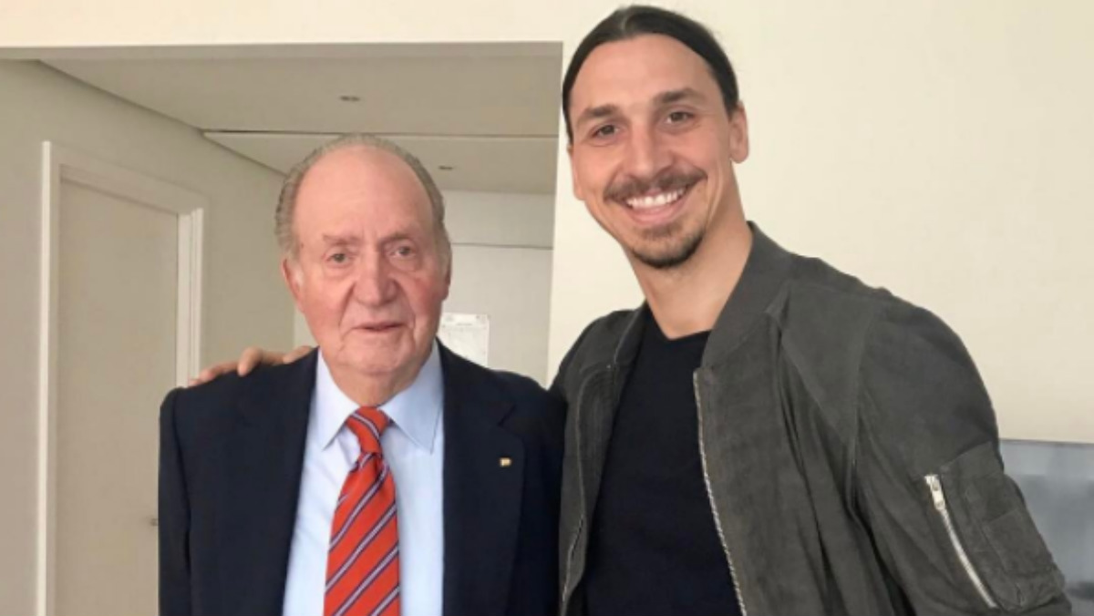 Ibra junto al Rey Juan Carlos. (Instagram)