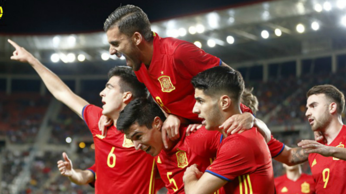 Los jugadores de España celebran un gol. (Sefutbol)