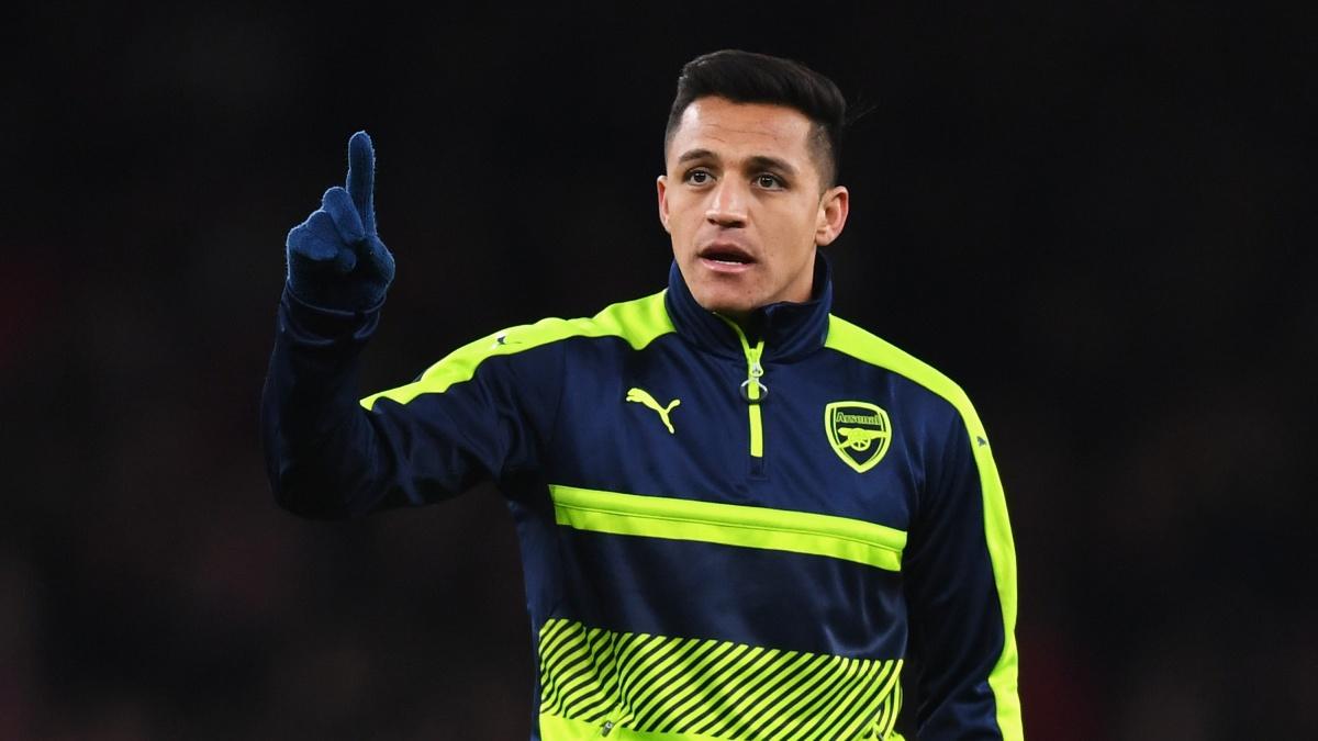 Alexis Sánchez, durante un calentamiento con el Arsenal