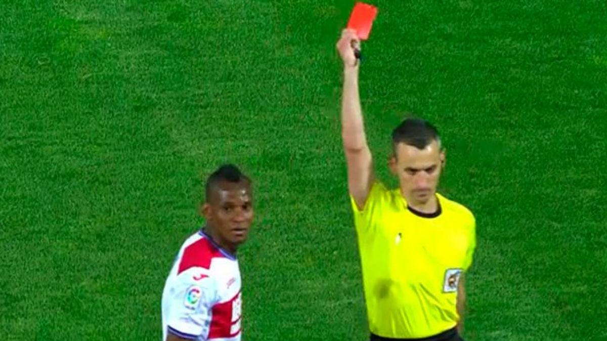 Uche Agbo fue expulsado contra el Barcelona.